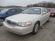 Lincoln Town Car V8 Lincoln Town Car Signature Limited